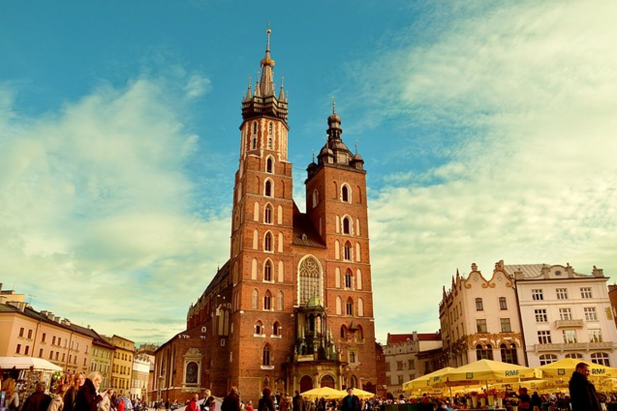 5 Tourist Faux Pas to Avoid in Krakow